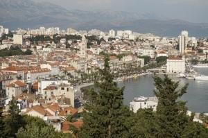 Split et sa promenade vues depuis la colline de Marjan