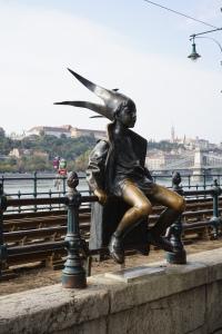 L'une des nombreuses statues de Budapest