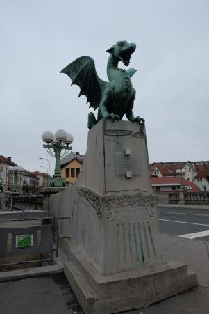 Le pont des Dragons, symbole de la ville