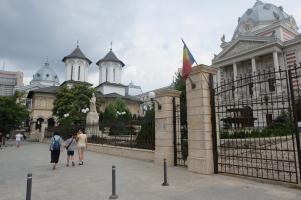 L'hôpital et l'église Coltea